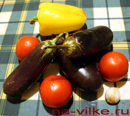 Спелые овощи для салата