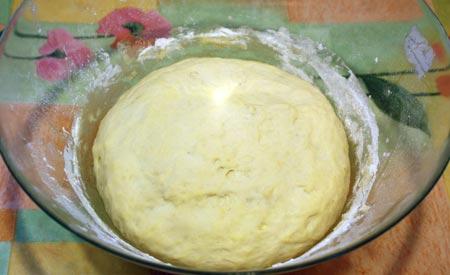Тесто для хлеба после расстойки