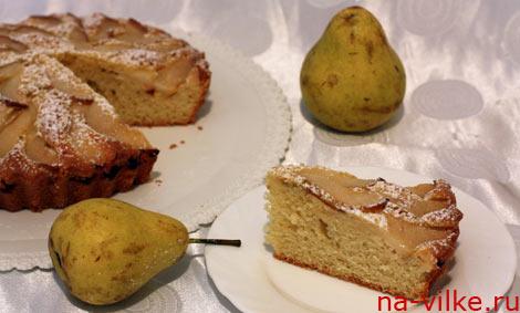 Кусок пирога с грушей