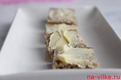 Хлеб с маслом для канапе