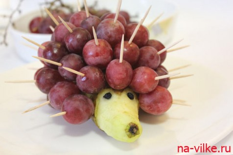 Ёжик фруктовый готов