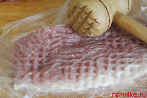 мясо отбить молоточком