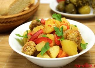 Овощное рагу с фрикадельками