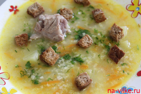 Свиной суп с пшеном и суха