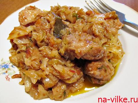 Бигос со свининой и свежей капустой