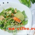 Салат с раковыми шейками и рисом