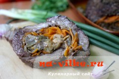 Рулет из свинины с баклажанами и морковью