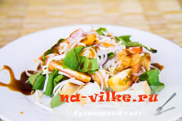 Салат с сыром тофу и зеленью
