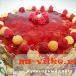 Малиновый миндальный торт