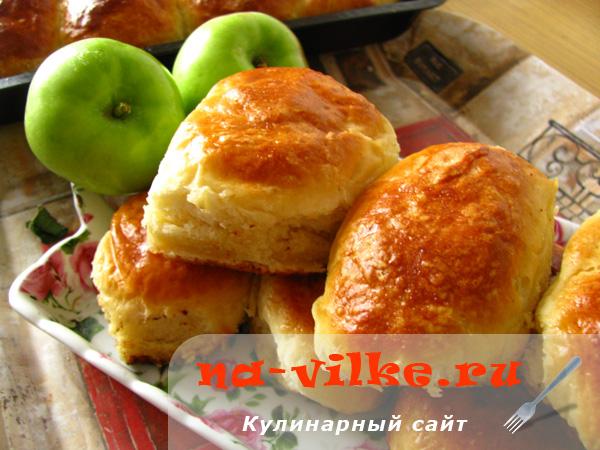 Пирожки с яблоками в духовке
