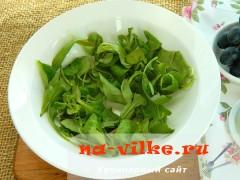 salat-s-vinogradom-syrom-2