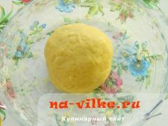 pirog-s-marcipanovoy-nachinkoy-03