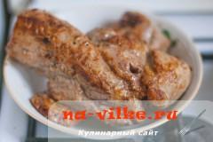 svinaya-vyrezka-v-apelsinah-07