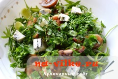 salat-s-kumato-i-gorgonzoloy-10
