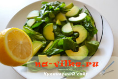 salat-avokado-klubnika-07