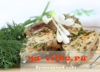 Вареное сало с зеленью и чесноком