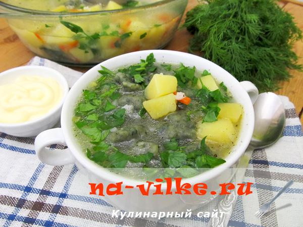 Суп рисовый с крапивными галушками