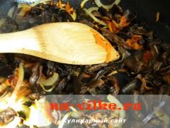 kartofel-s-gribami-v-gorshochkah-5