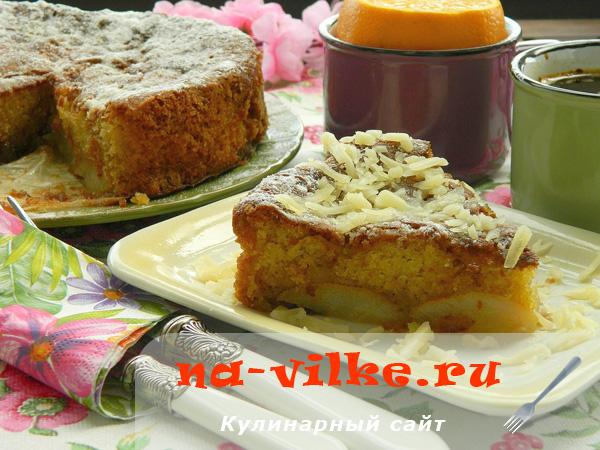 Мягкий пирог-десерт с грушами в карамели