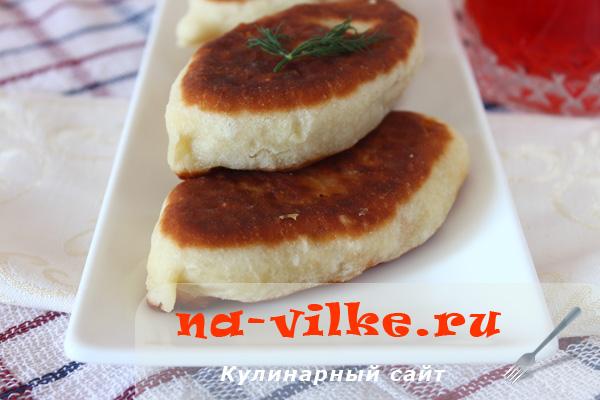 Пирожки с капустой и картошкой на заварном дрожжевом тесте