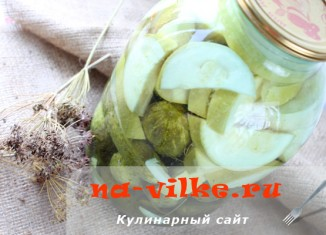 Ассорти из огурцов и кабачков на зиму