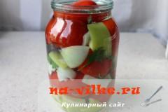 marinovannie-pomidori-perec-luk-06