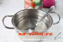 marinovannie-pomidori-perec-luk-09