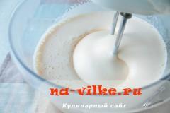 biskvit-s-varenoy-sgushenkoy-07