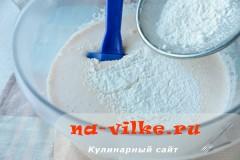 biskvit-s-varenoy-sgushenkoy-08