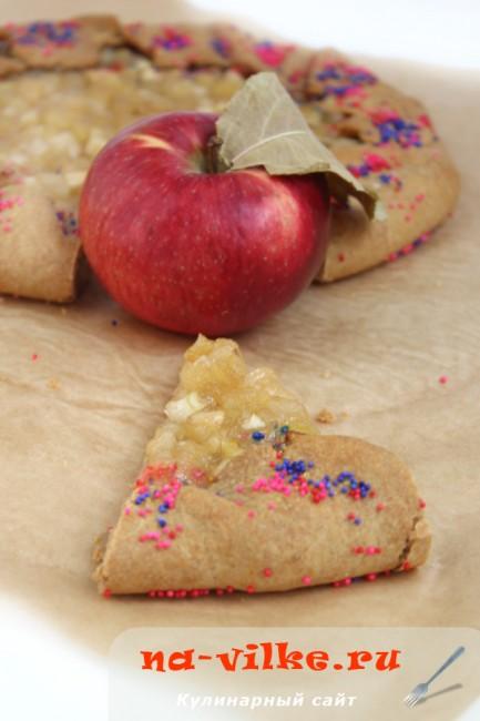 Галета с яблоками и грушами