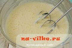 medovik-v-multivarke-05