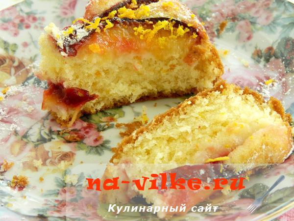 Быстрый пирог со сливами, Маскарпоне, имбирем и цедрой апельсина