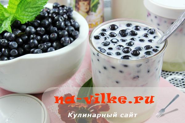 Черничный йогурт в мультиварке