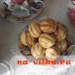 Мягкие орешки со сгущенкой домашнего приготовления