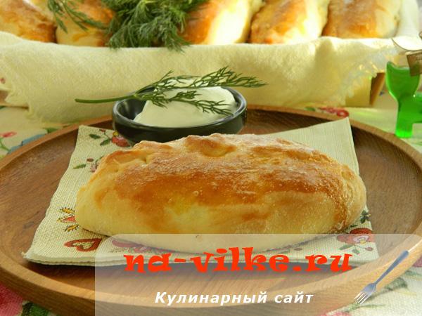 Пирожки дрожжевые с вешенками и картофелем