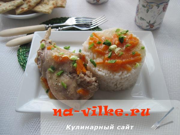 Готовим тушеного кролика с овощами и сметаной в мультиварке
