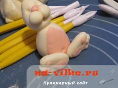 zaychik-iz-mastiki-23