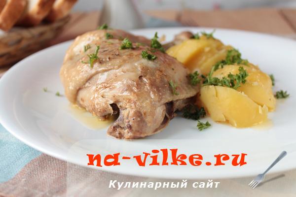 Куриные окорочка и картофель в мультиварке