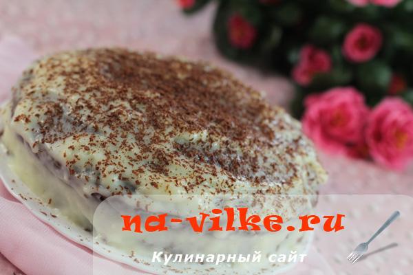 Торт на шоколадной глазури с молочным кремом