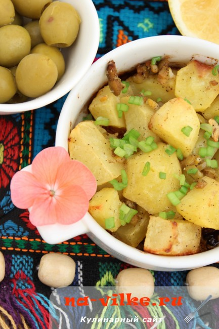 Запеченный картофель с оливками
