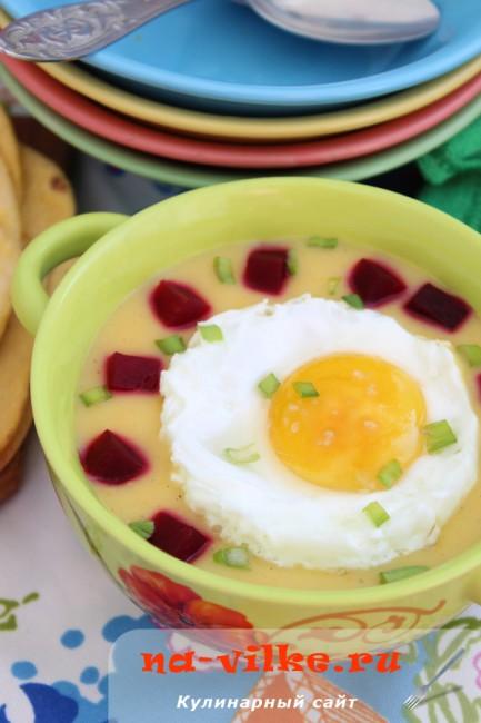 Картофельный суп-пюре с яйцом