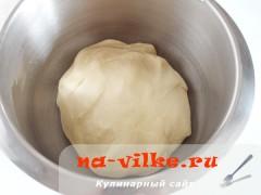 bulochki-iz-drozhevogo-testa-03