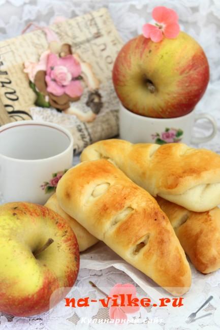 Булочки с яблочной начинкой