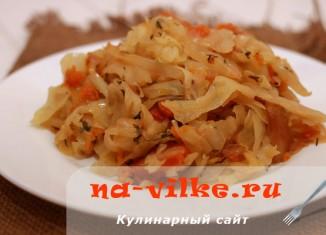Тушеная капуста с тыквой и картофелем