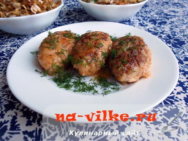 Тефтели мясные с рисом в томатном соусе