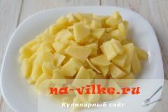 sup-kuriniy-s-seldereem-2