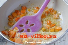 sup-kuriniy-s-seldereem-6