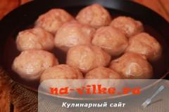 kurinie-kotlety-s-mankoy-05