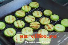 salat-s-kabachkami-fetoy-02