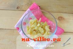 salat-s-kuricey-gribami-3